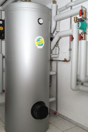 Installation d'un ballon tampon, système de chauffage
