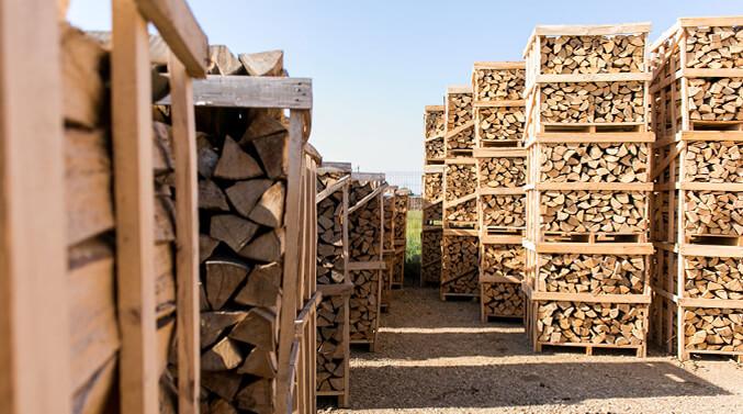 Wie viel Holz brauche ich für meinen Kaminofen?