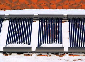 Was bringen Solaranlagen im Winter oder an bewölkten Tagen?