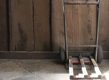 Wie lässt sich ein Kaminofen sicher transportieren?