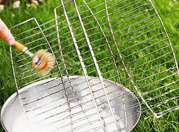 Grillrost reinigen leicht gemacht: Tipps und Tricks