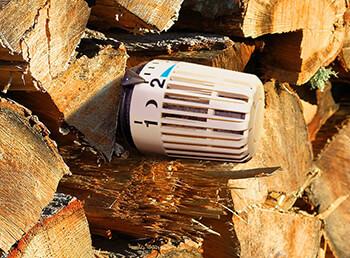 Holzheizung: Festbrennstoffkessel im Vergleich
