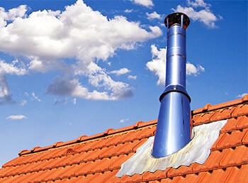 Projekt am Schornstein: Dachdurchführung einbauen
