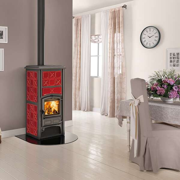 kaminofen wasserf hrend loriet s dsa bordeaux. Black Bedroom Furniture Sets. Home Design Ideas